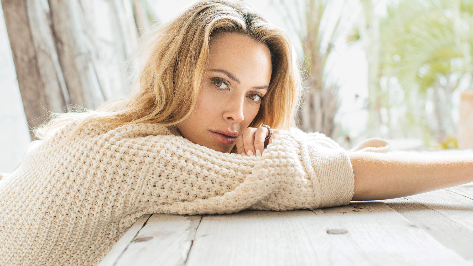 peta-murgatroyd-september-sweater-table