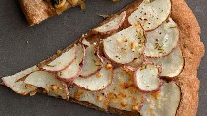 red-potato-rosemary-pizza