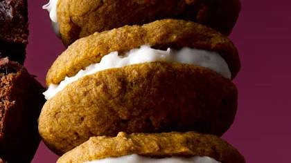 spiced-pumpkin-whoopie-pies