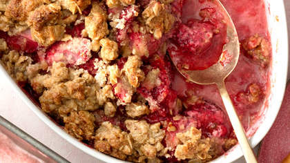 strawberry-crumble