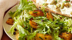 warm-salad-kabocha-goat-cheese-currants