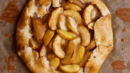 white-peach-crostata