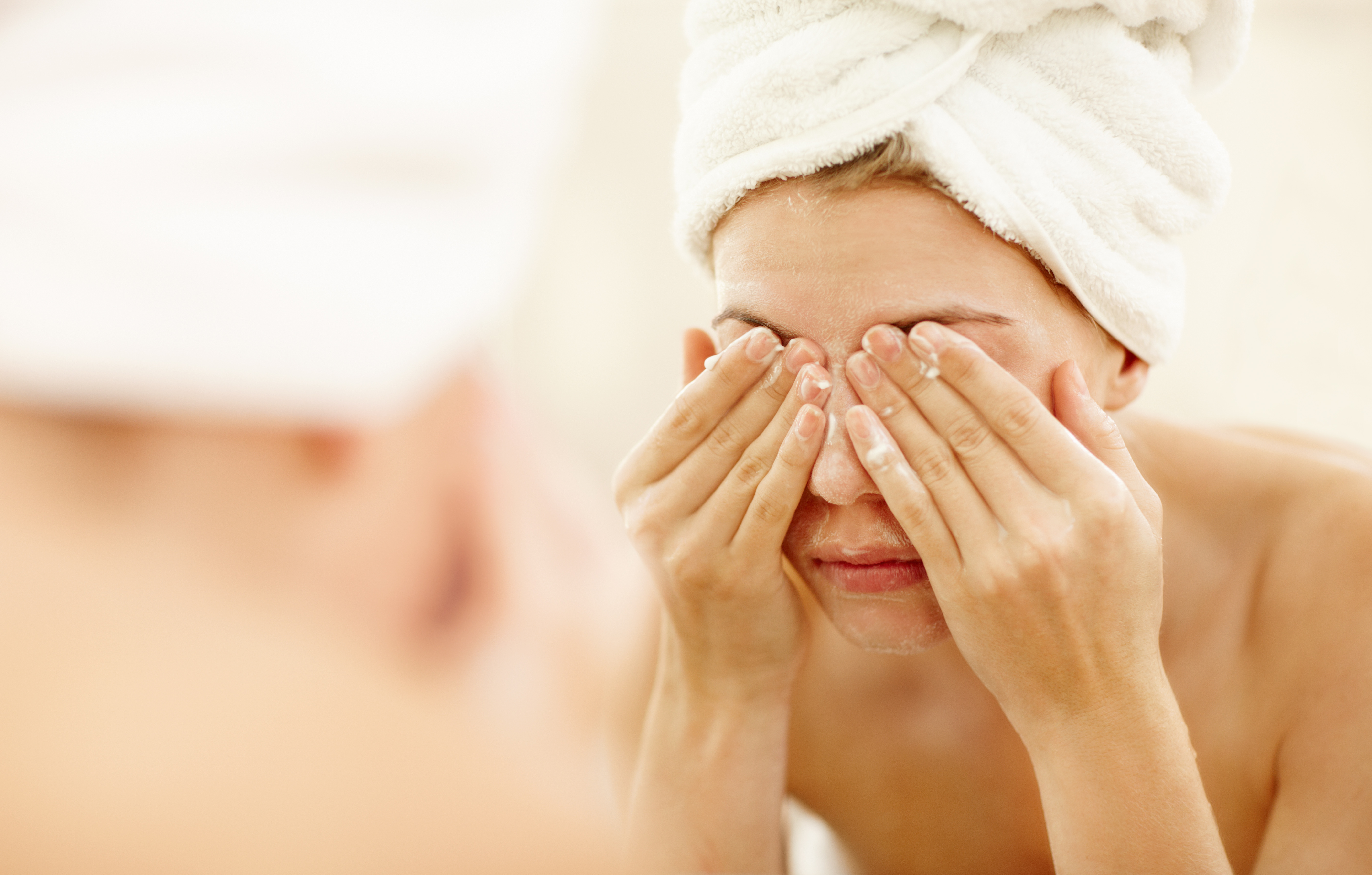 Exactly What to Do If You Wake Up With a Puffy Face