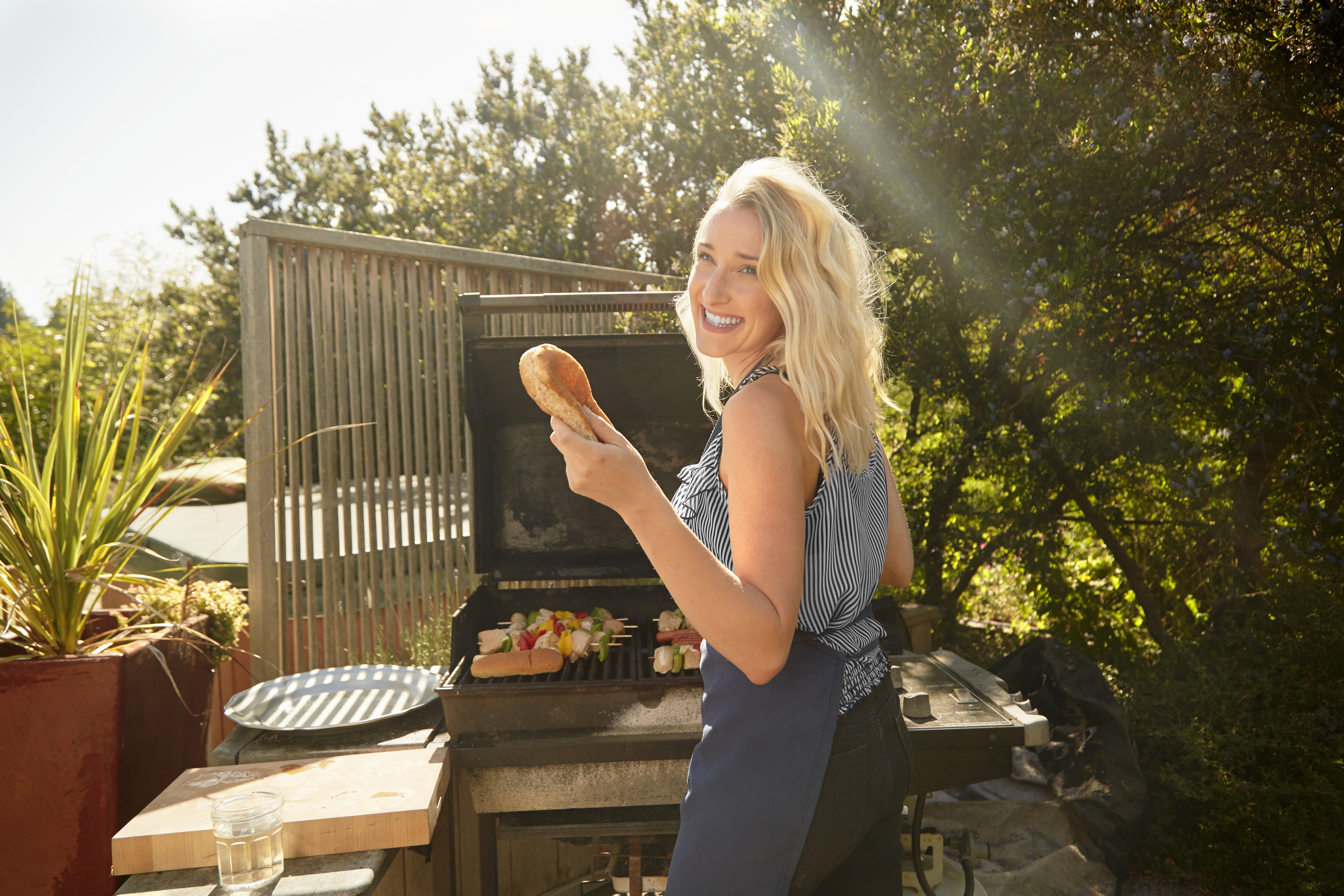8 Gas Grills for a Healthy Backyard Barbecue