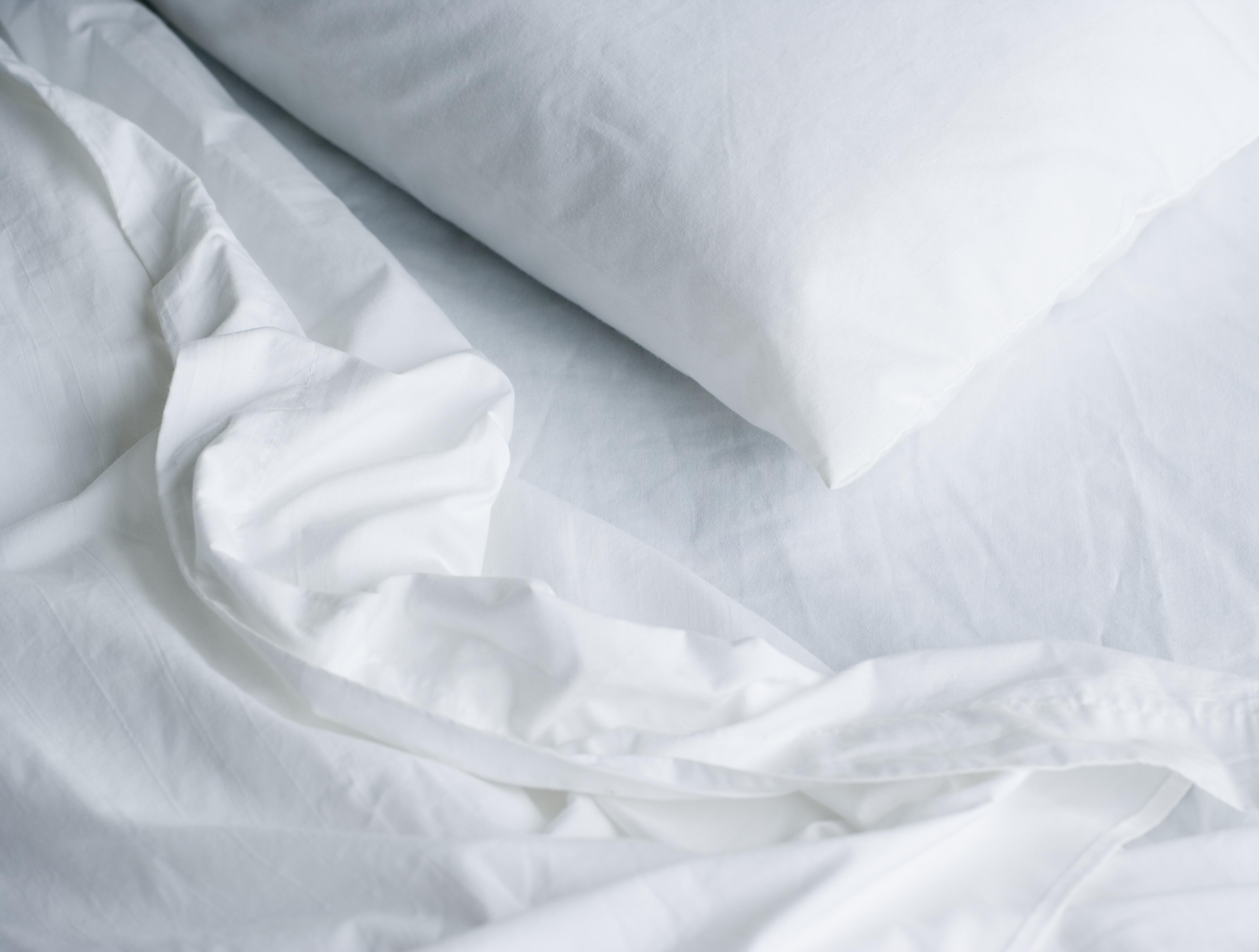 The Best Linen Bed Sheets For Hot Summer Nights