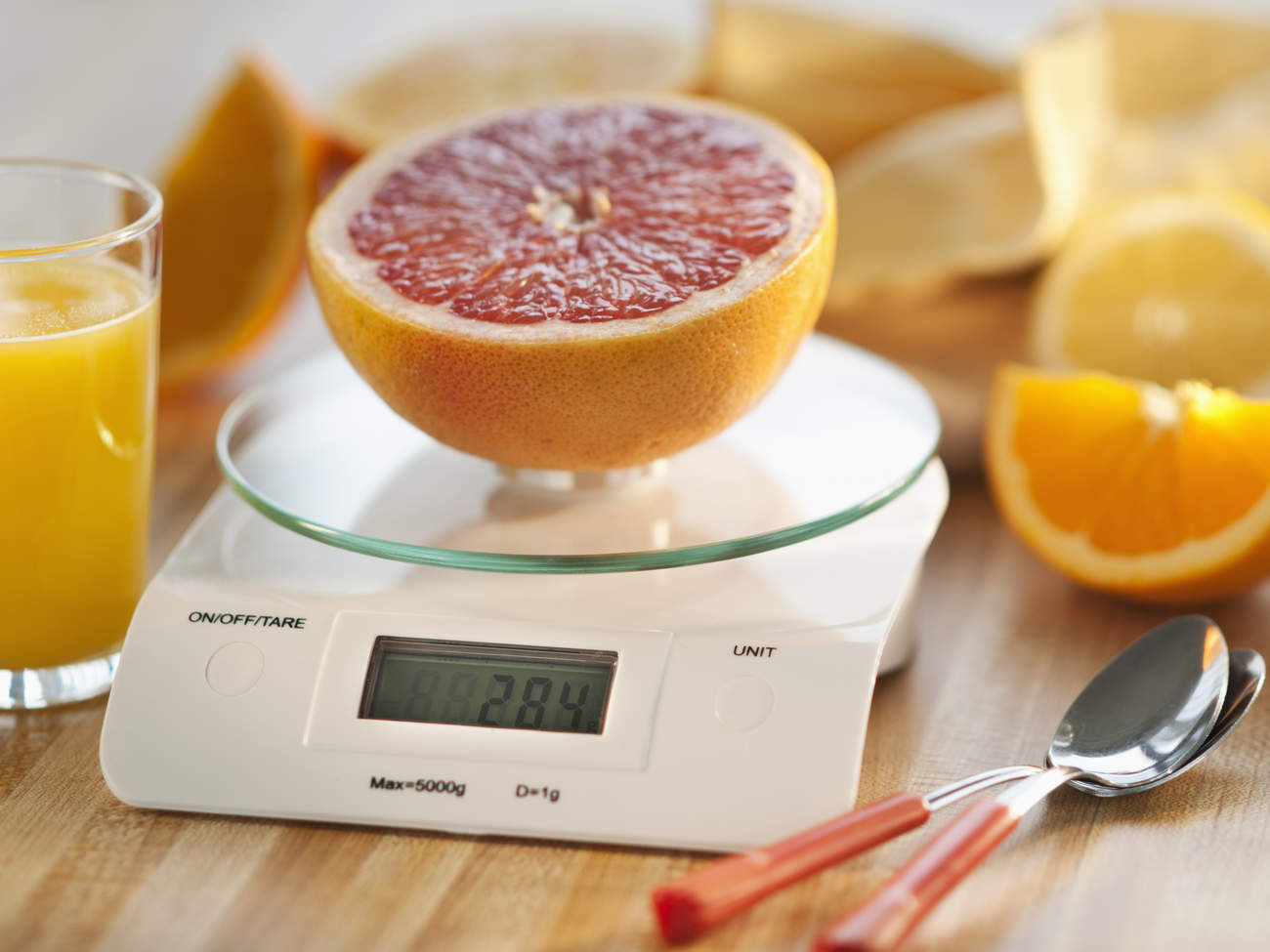 kitchen-scale-orange