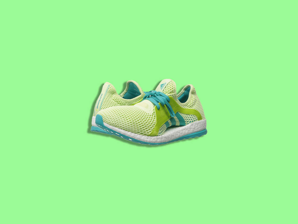 green-workout-clothes-shoes