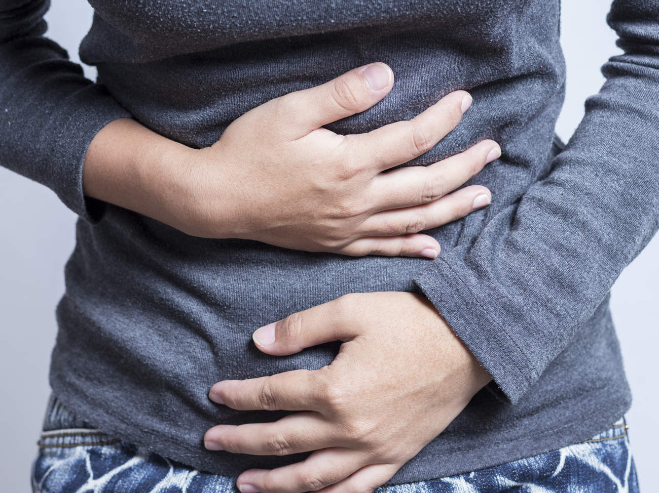 diverticulitis-condition-center-stomach-pain