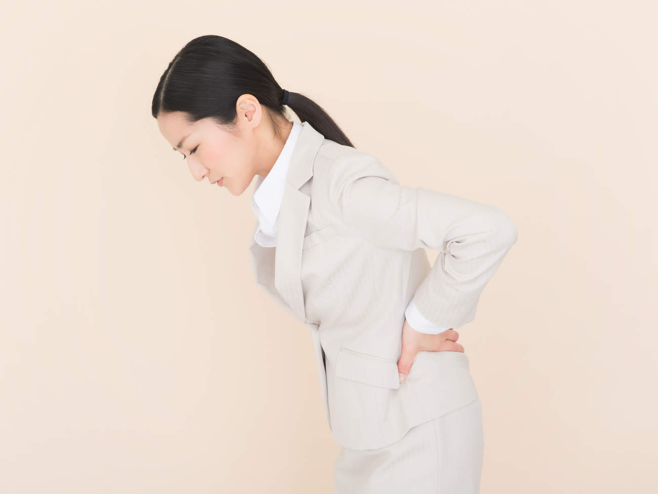 06-back-pain-ovarian-cancer
