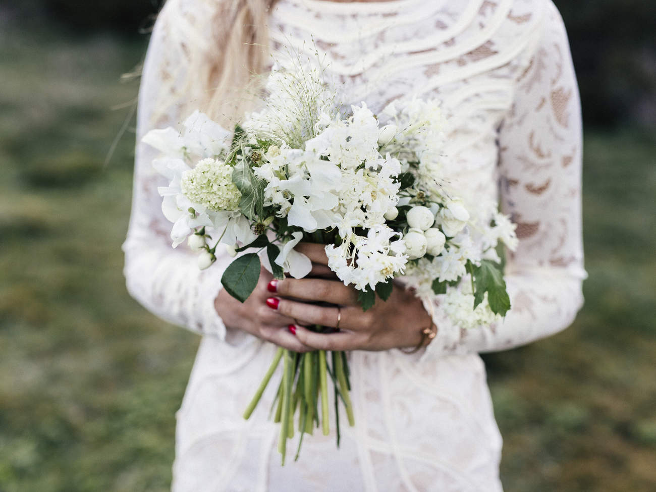 weight loss wedding bride bouquet wedding dress