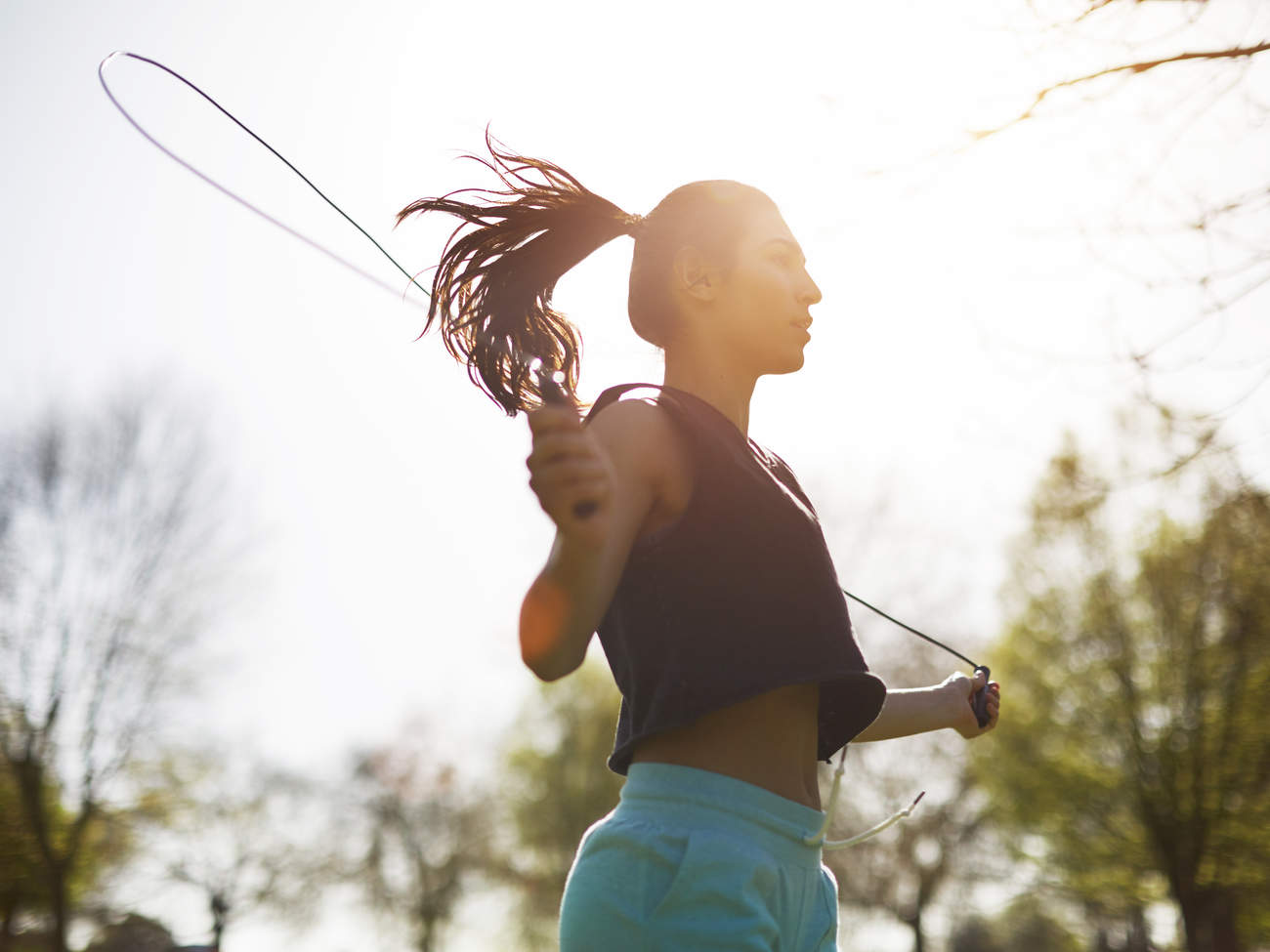 kira-stokes-18-minute-jump-rope-workout-video