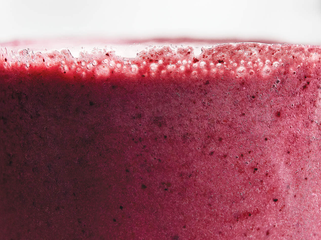 blueberry-mango-smoothie-power-up