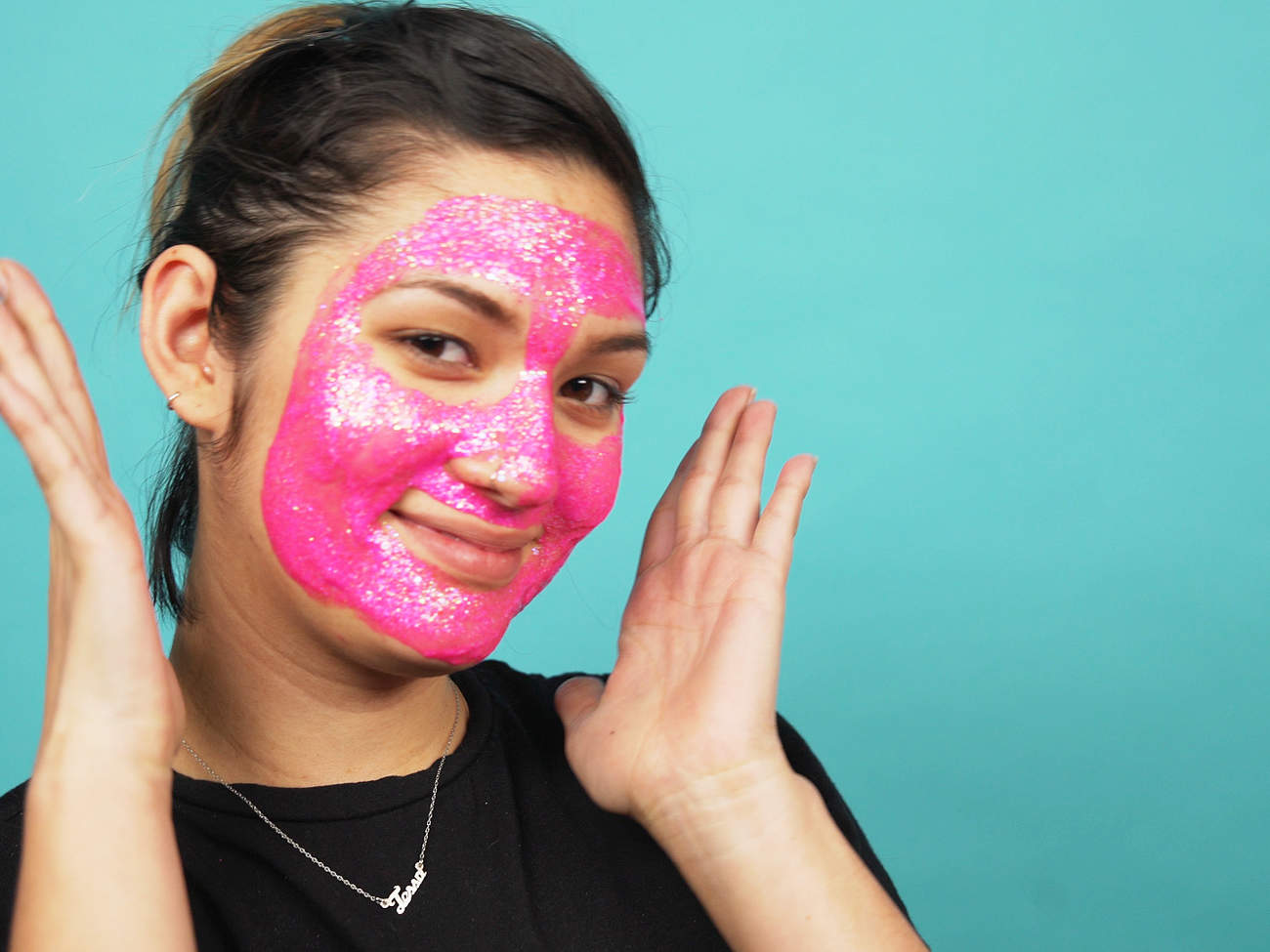 glam-glow-mask-video