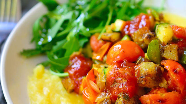 vegan-breakfast-potato-polenta-bowl