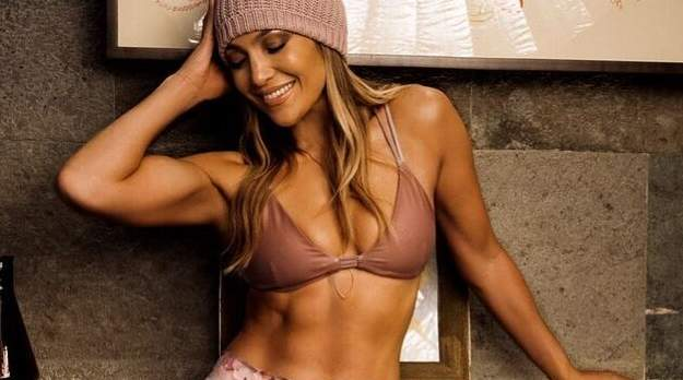 jlo-best-ab-photos