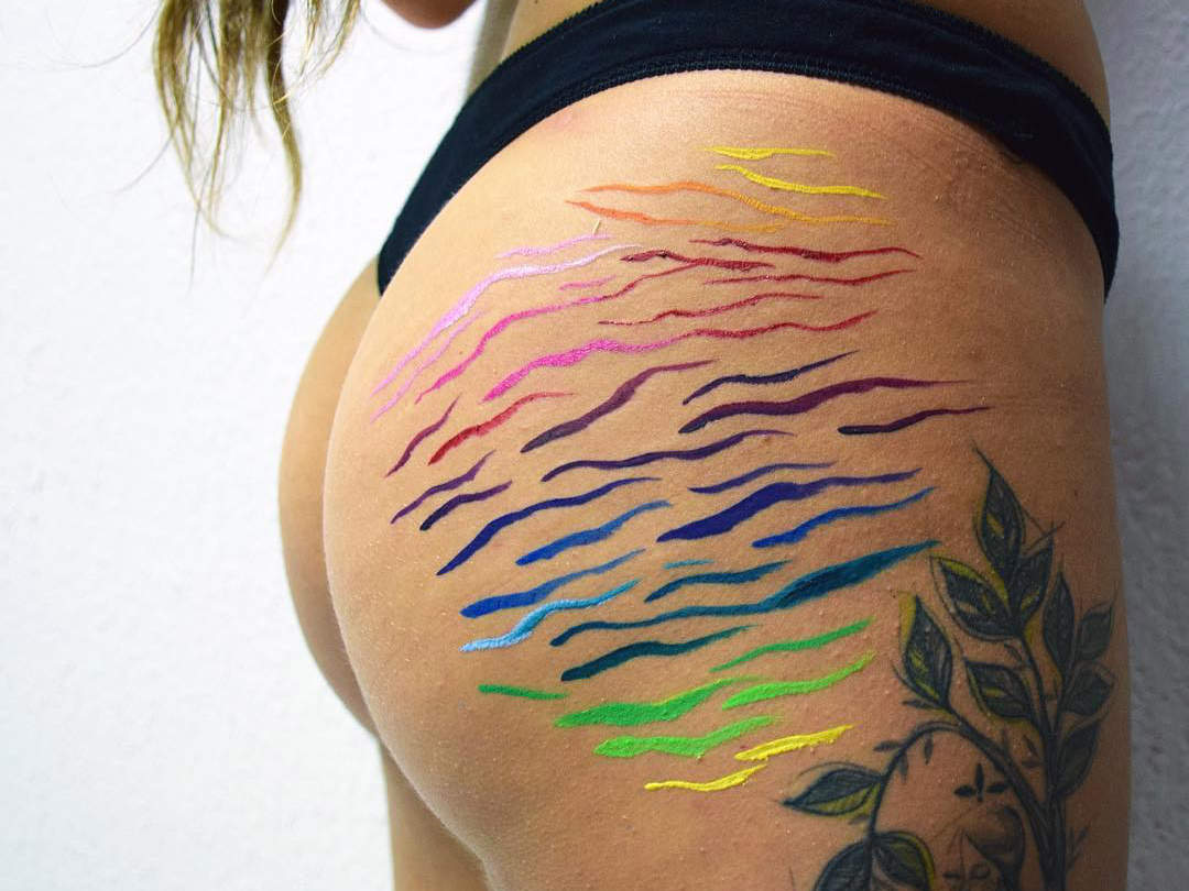 Artist Paints Her Stretch Marks to Empower Women: 'Society Sees These Things As Flaws, but They Aren't'