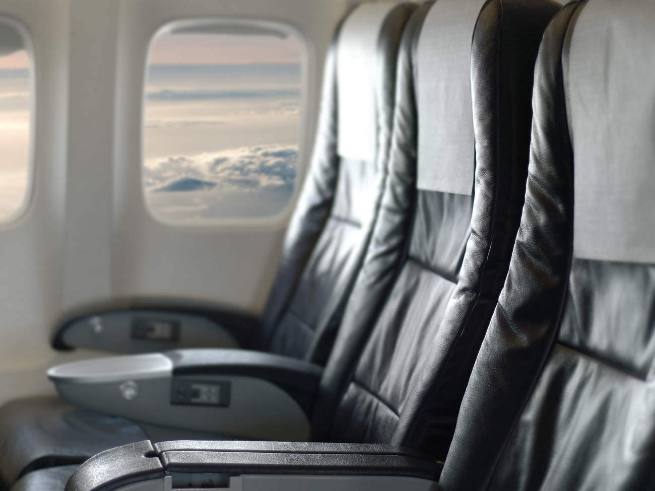 dirtiest places on airplane
