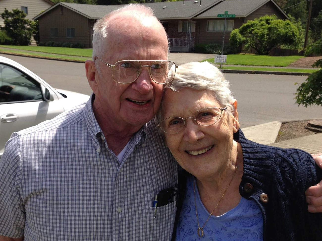 Charlie and Francie Emerick rest after a rousing family croquet game at daughter Jerilyn's home in Portland, Ore., in May 2016. They died less than a year later. (Courtesy of Jerilyn Marler)