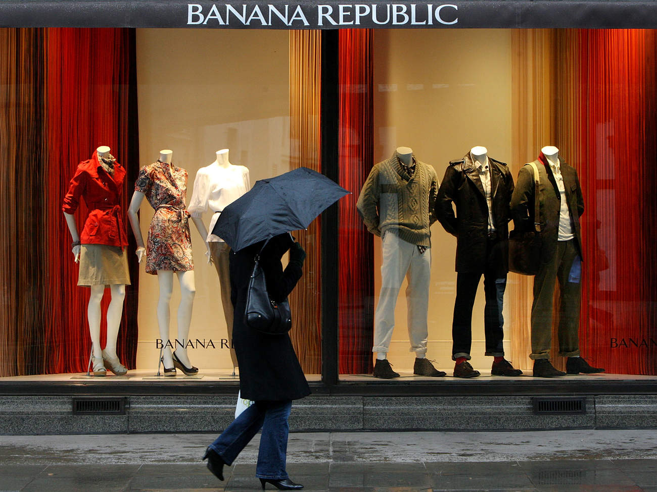 Banana Republic Opens Its First European Flagship Store