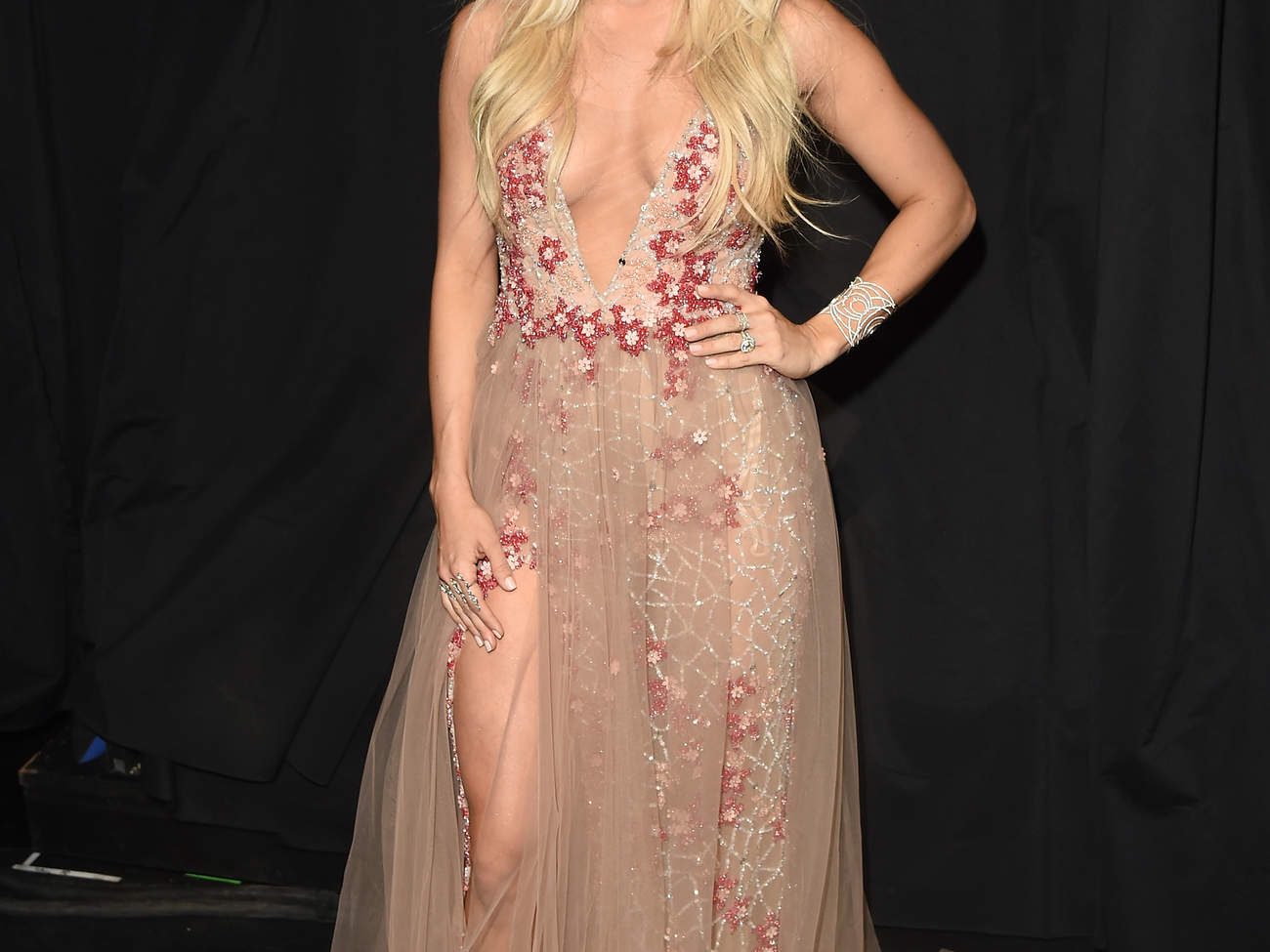 carrie-underwood-acm-awards