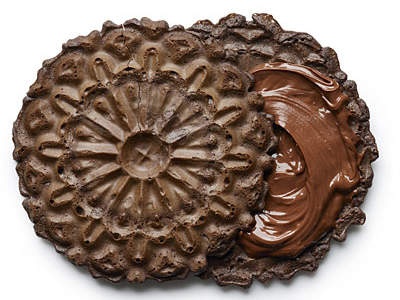 chocolate-snowflake-sandwich