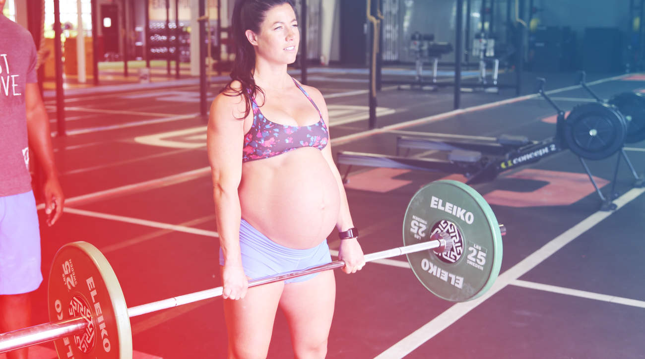 emily-breeze-crossfit-pregnant