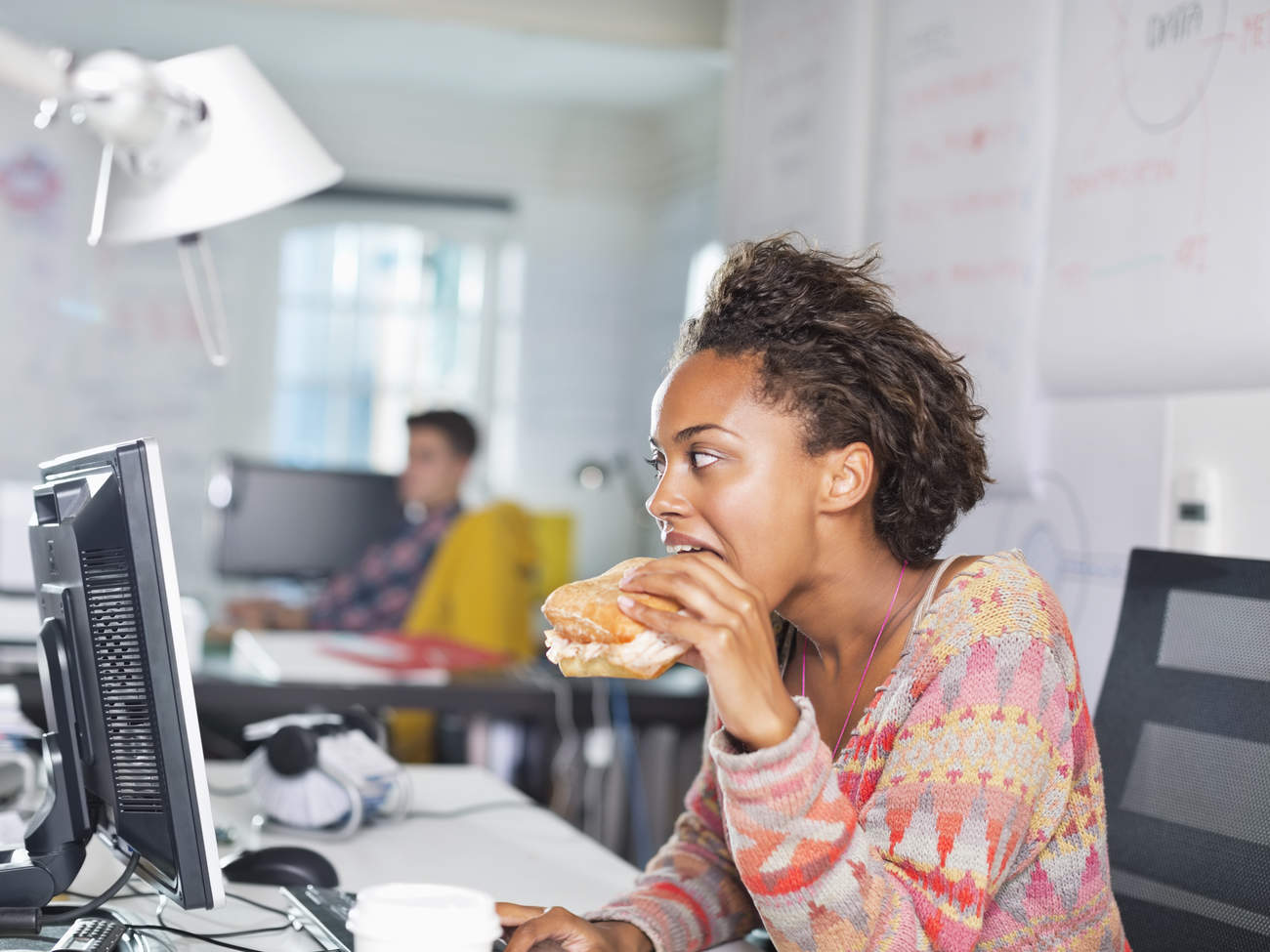 hungry-office-eating-stress-burger-unhealthy-food
