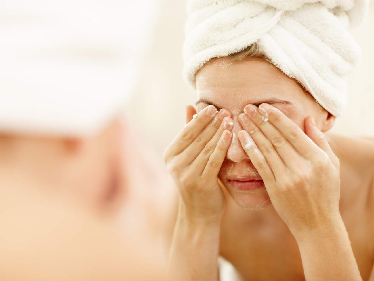 wash-face-rub-eyes-soap-makeup-removal