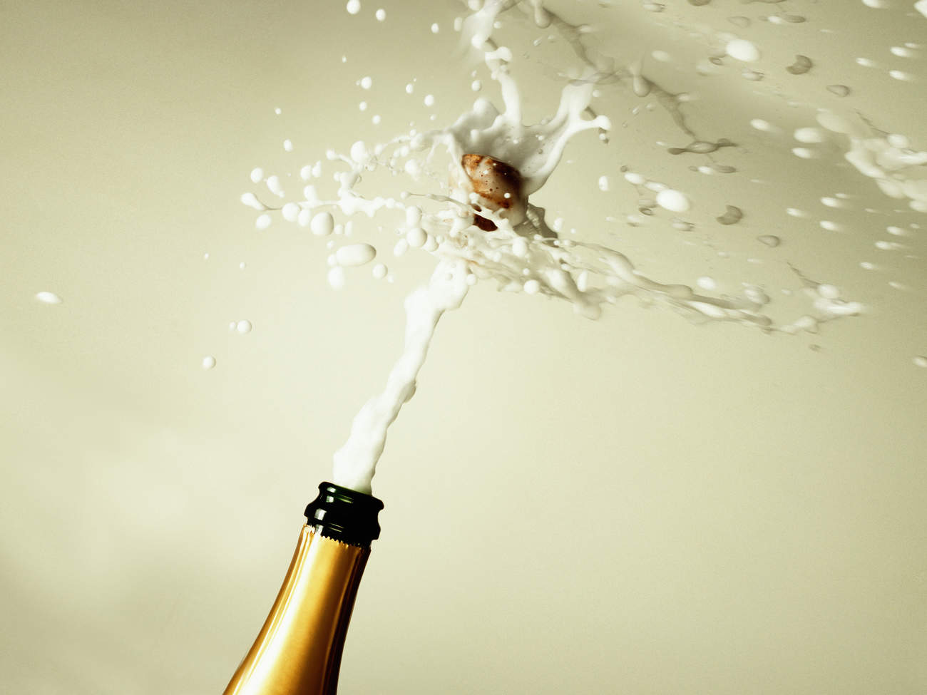 male-orgasm-champagn-explosion
