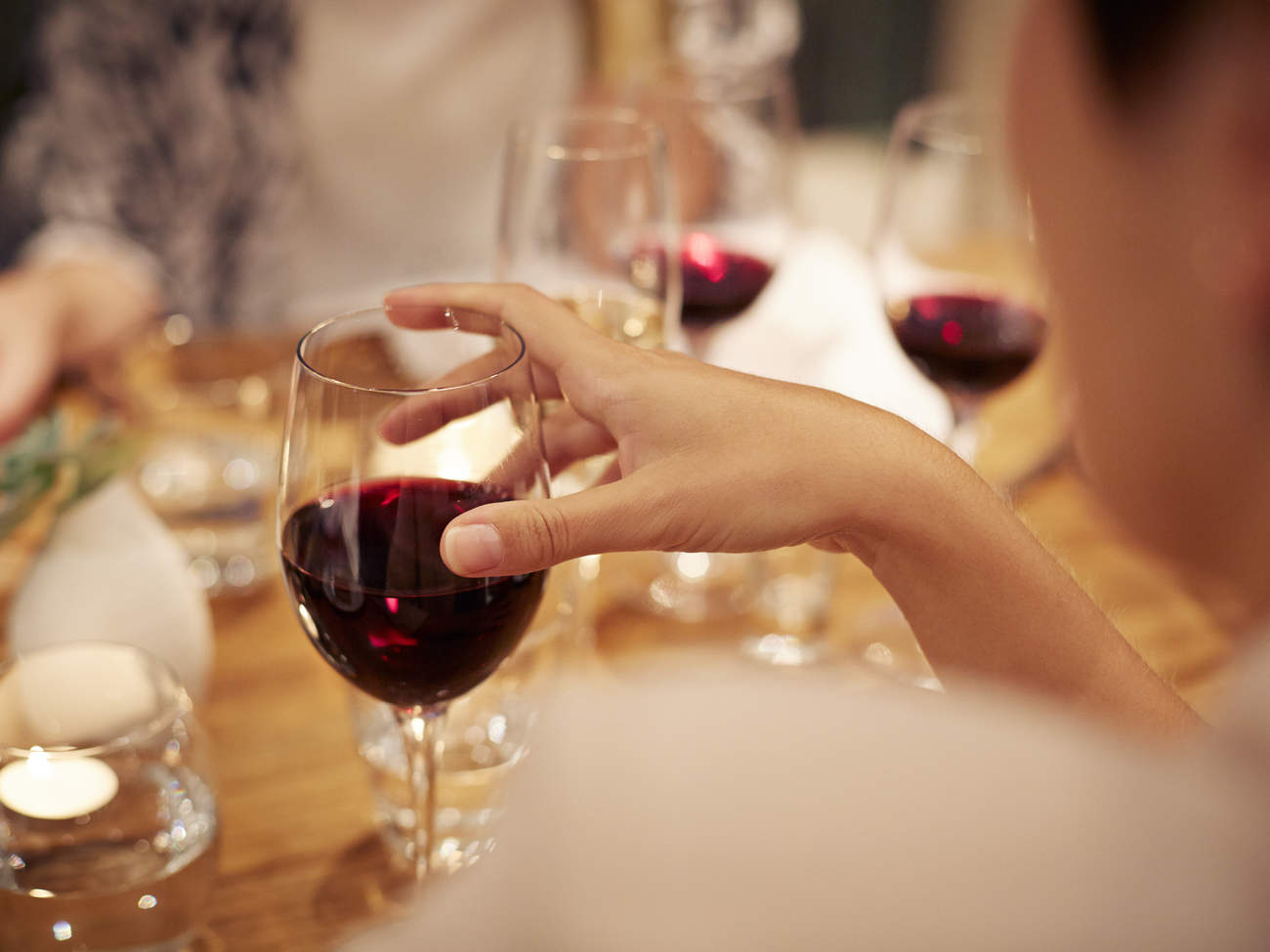 drinking-alcohol-wine-dinner