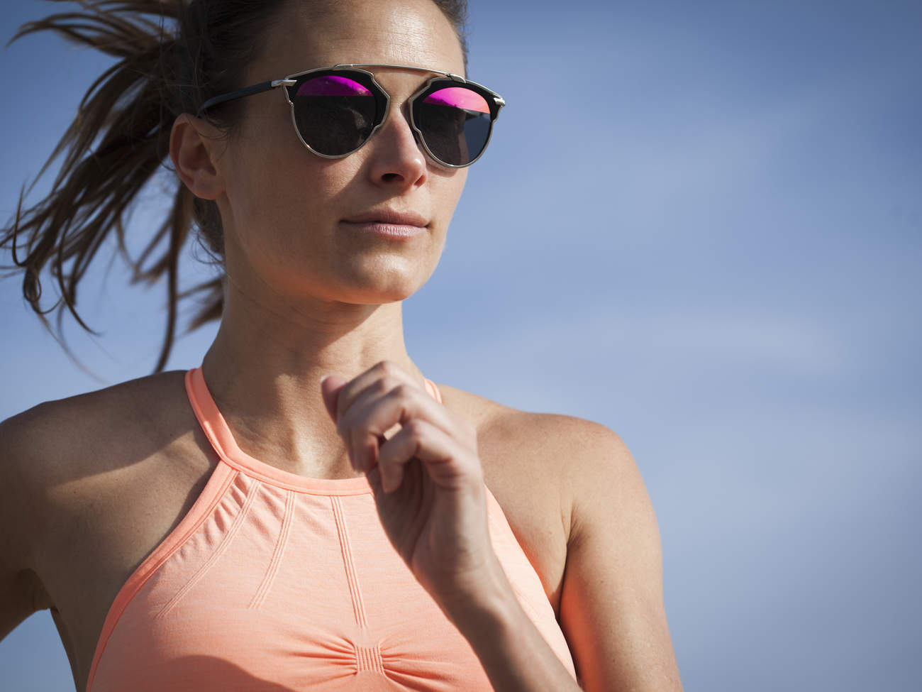 sunglasses-sport-woman-exercise