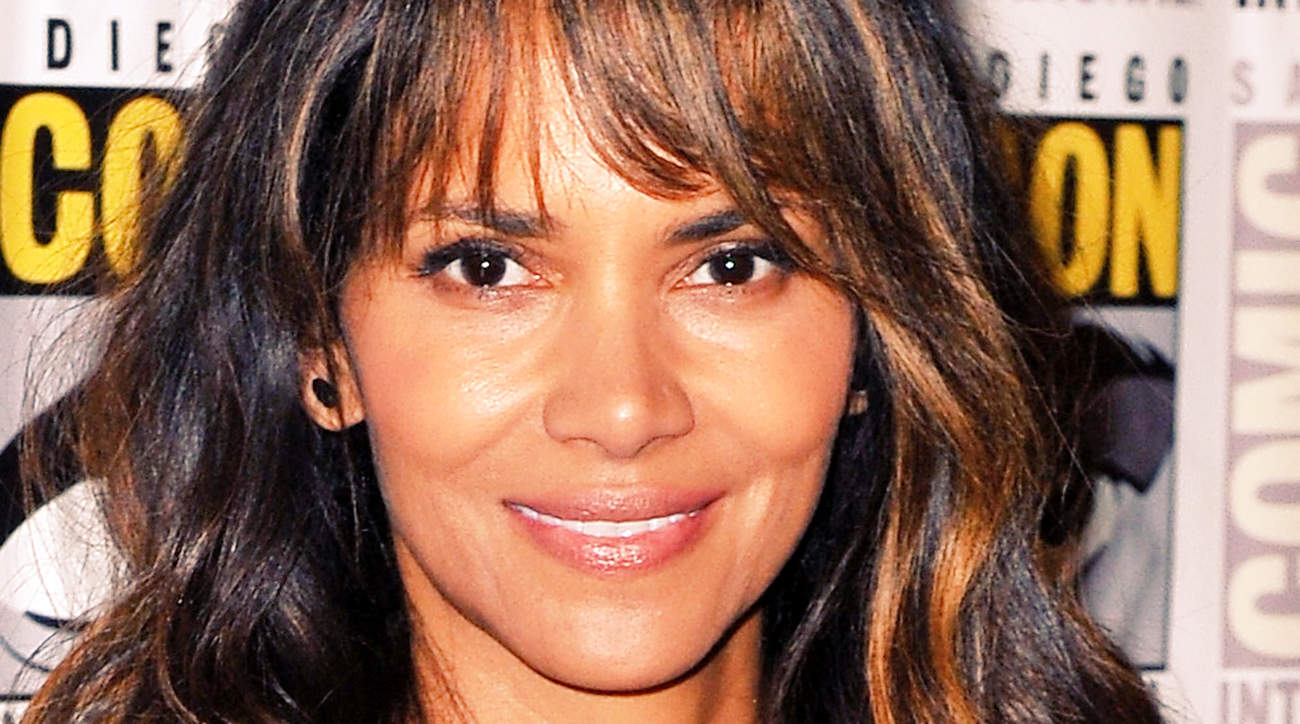 halle berry Olga Lorencin Ageless Facial in a Box beauty face wrinkles age moisturize spa beauty product health woman