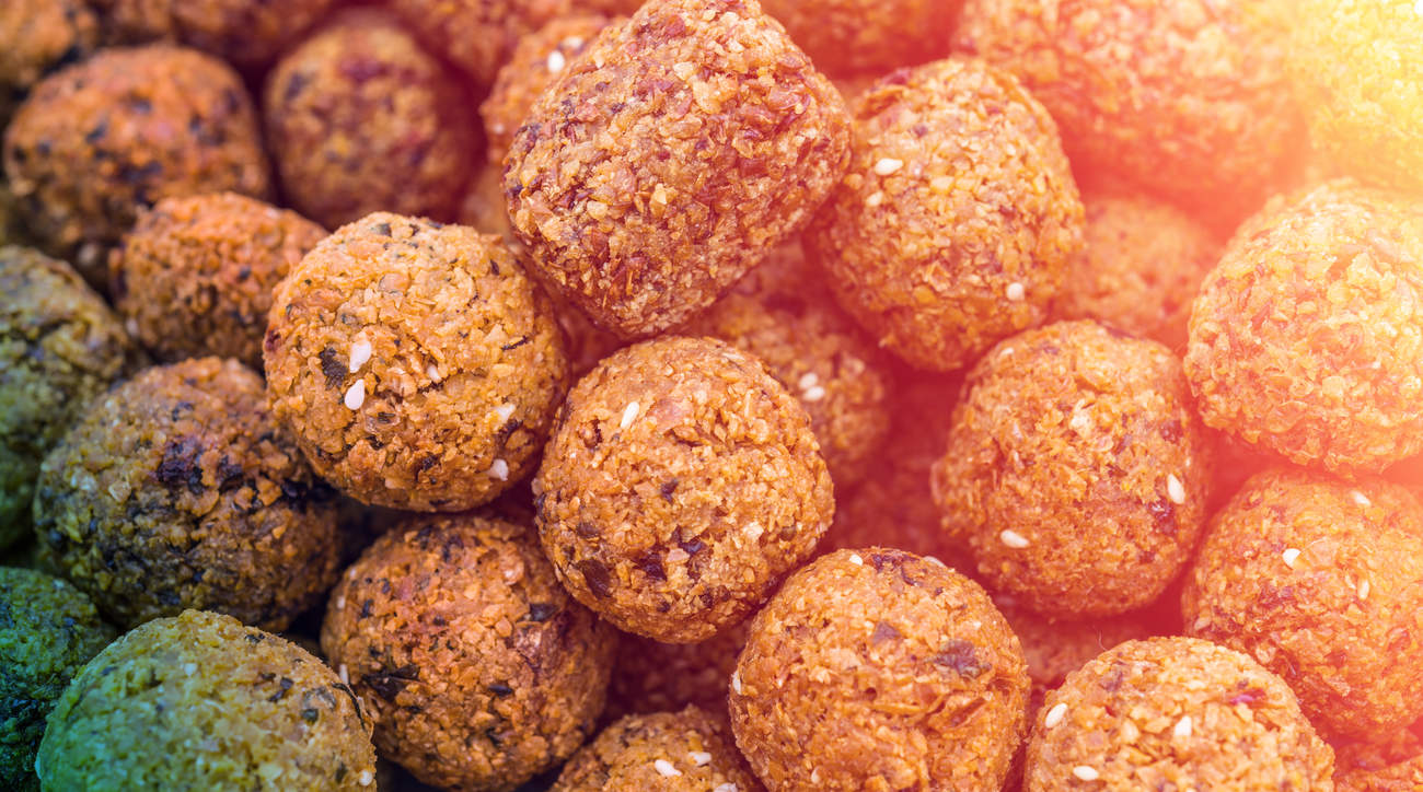 falafel food diet mediterranean woman health fiber chickpea protein