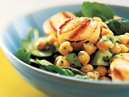 scallops-chickpea-salad