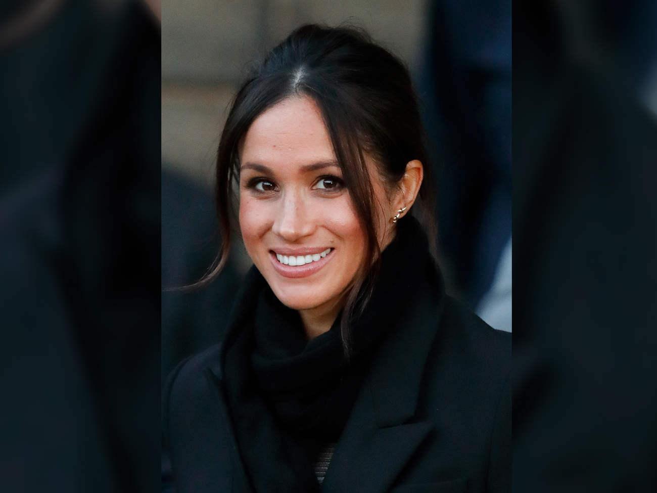 meghan markle has a gold necklace and its her favorite