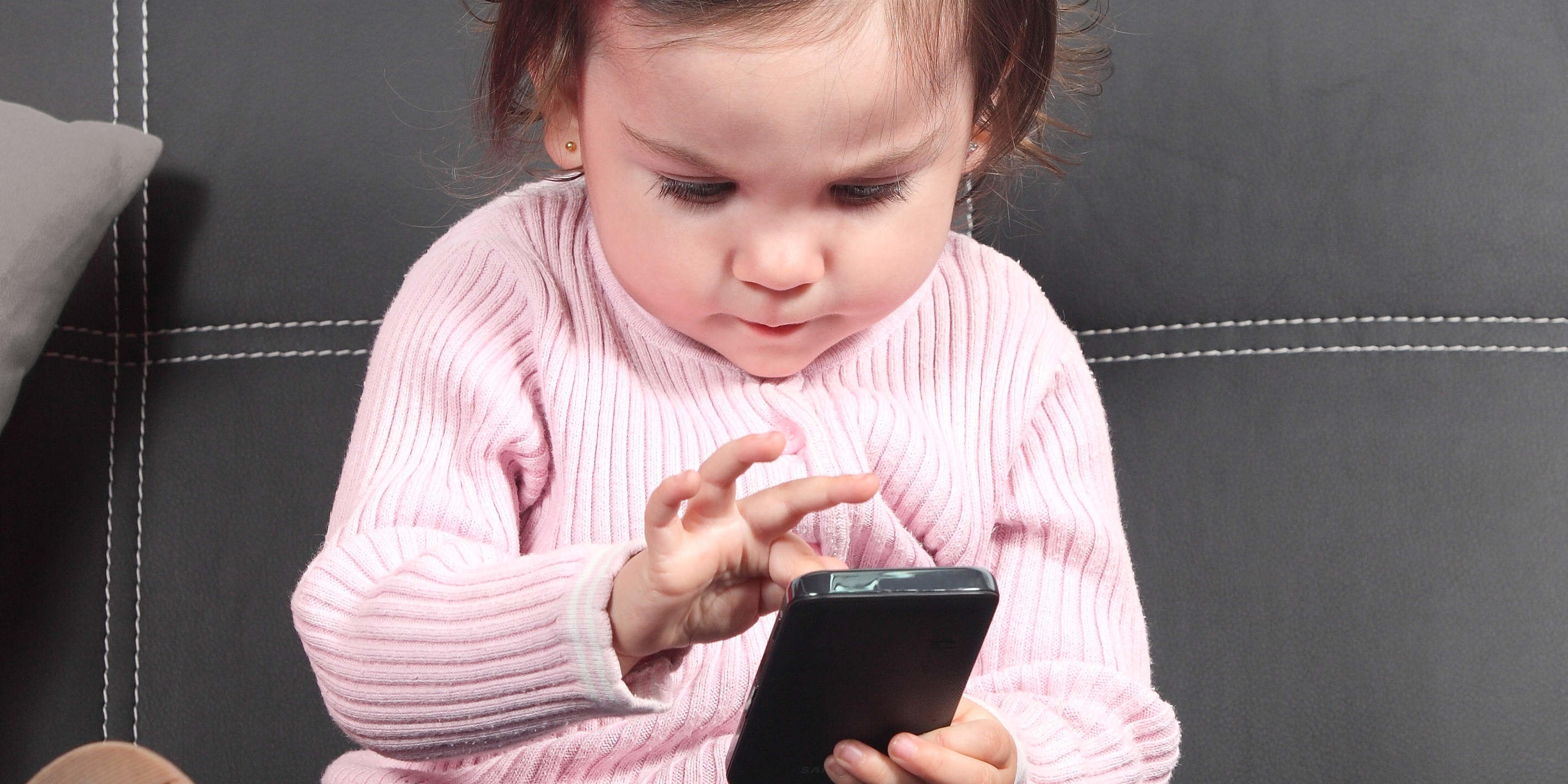 Toddlers Who Use Touchscreens Sleep Less, Says New Study