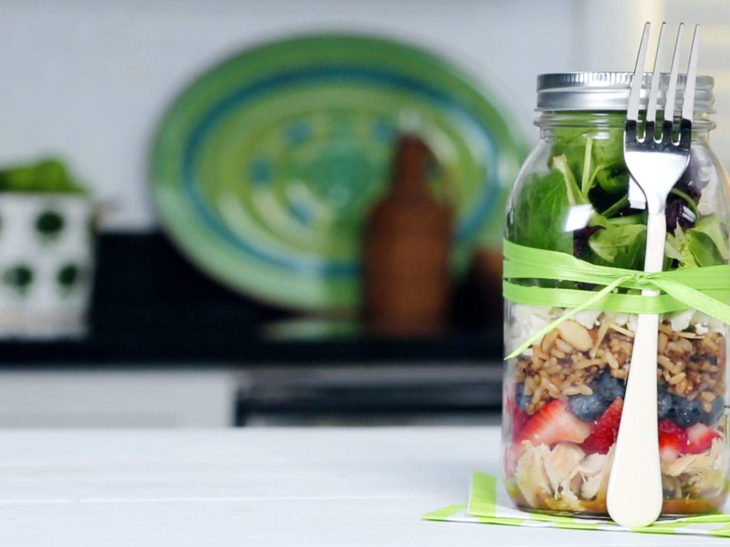 mason-jar-salad-video