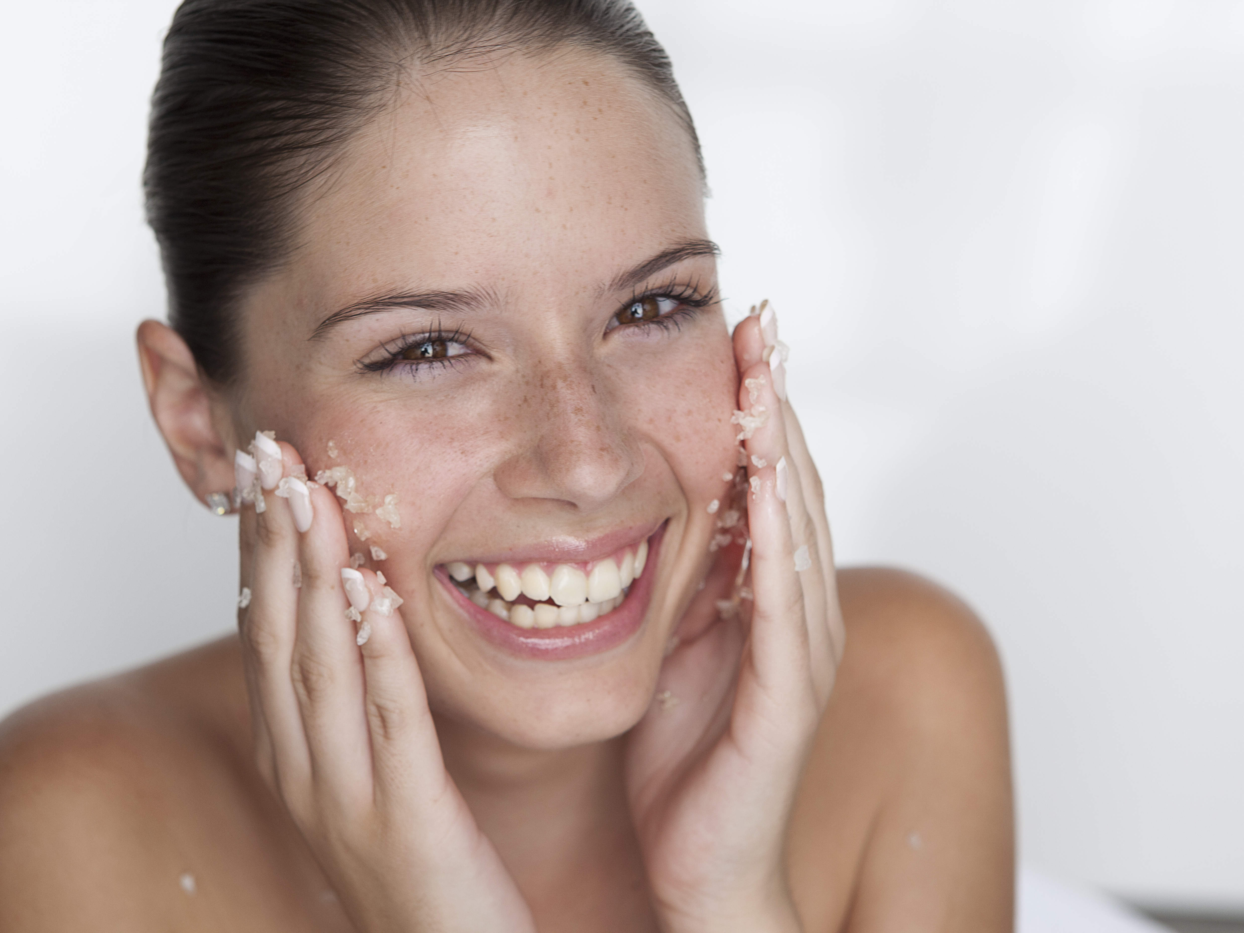 make-beauty-scrub-video