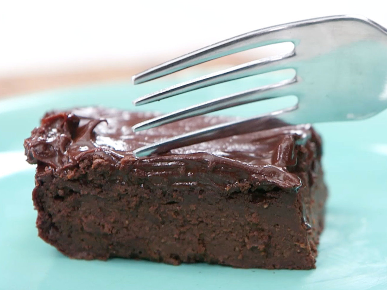 How to Make Avocado-Chocolate Frosting