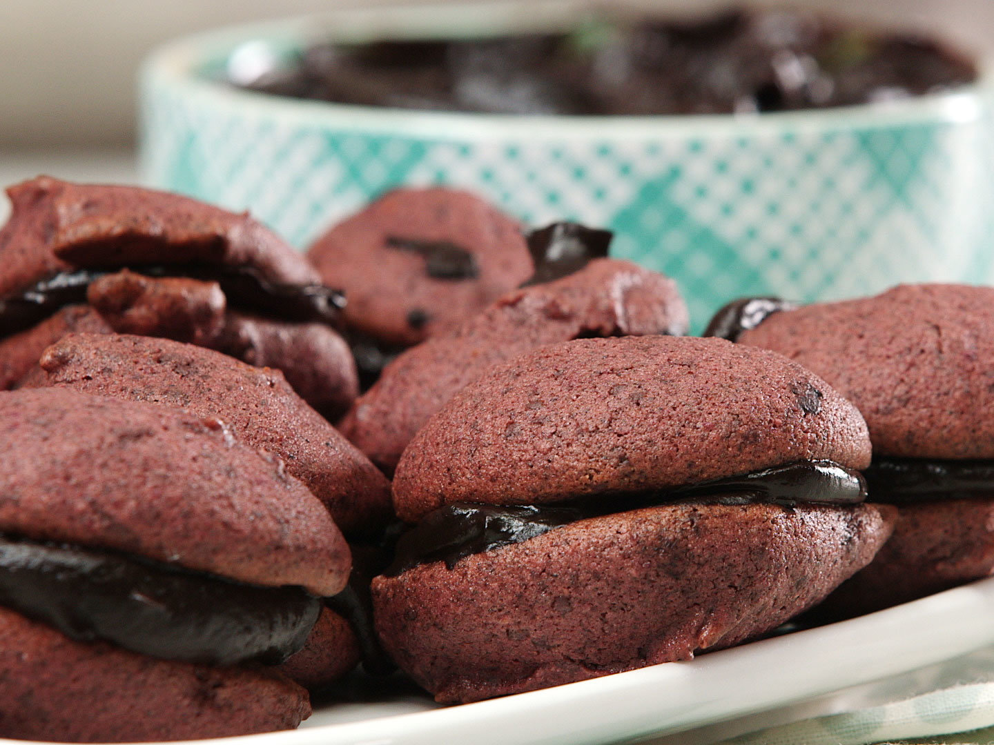 dark-chocolate-buckwheat-beet-whoopie-pie-recipe-video