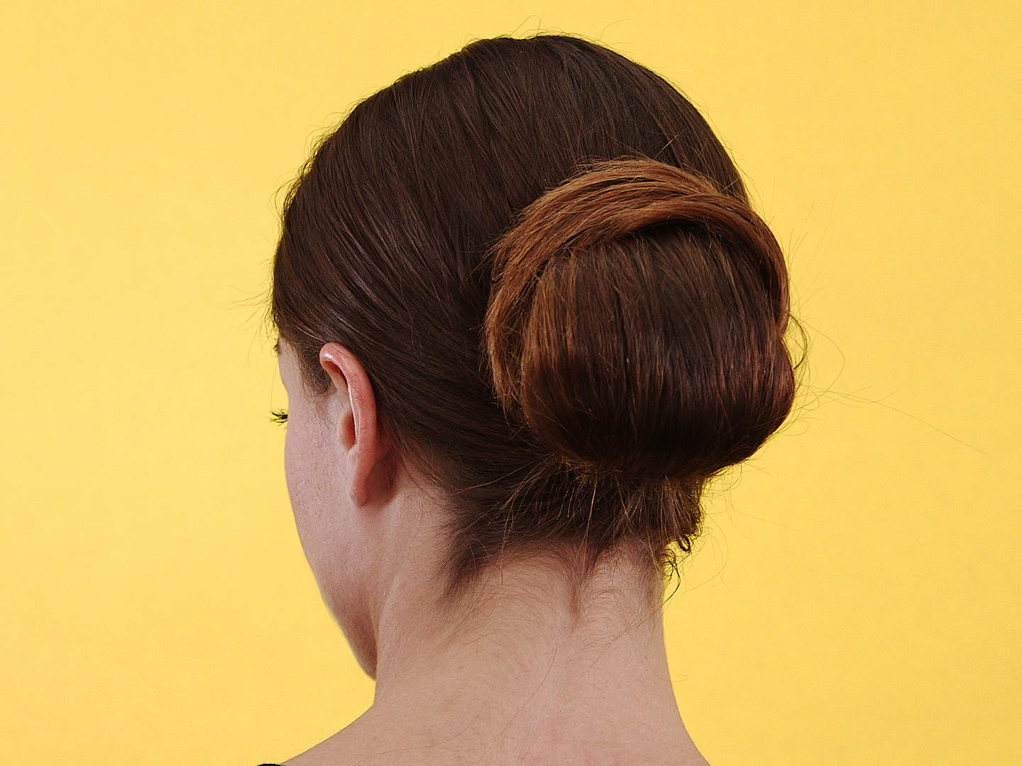 how-to-make-a-looped-updo-video