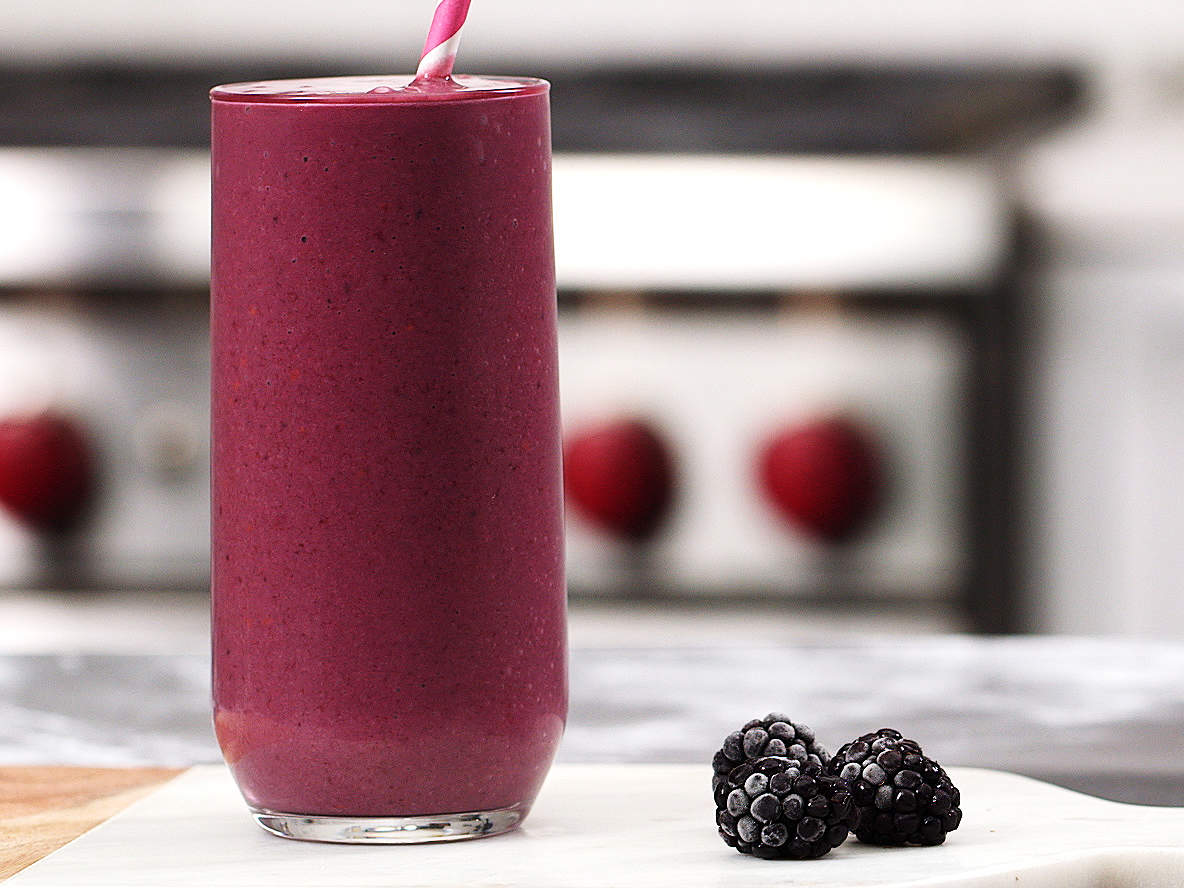 blackberry-banana-slim-down-smoothie-video