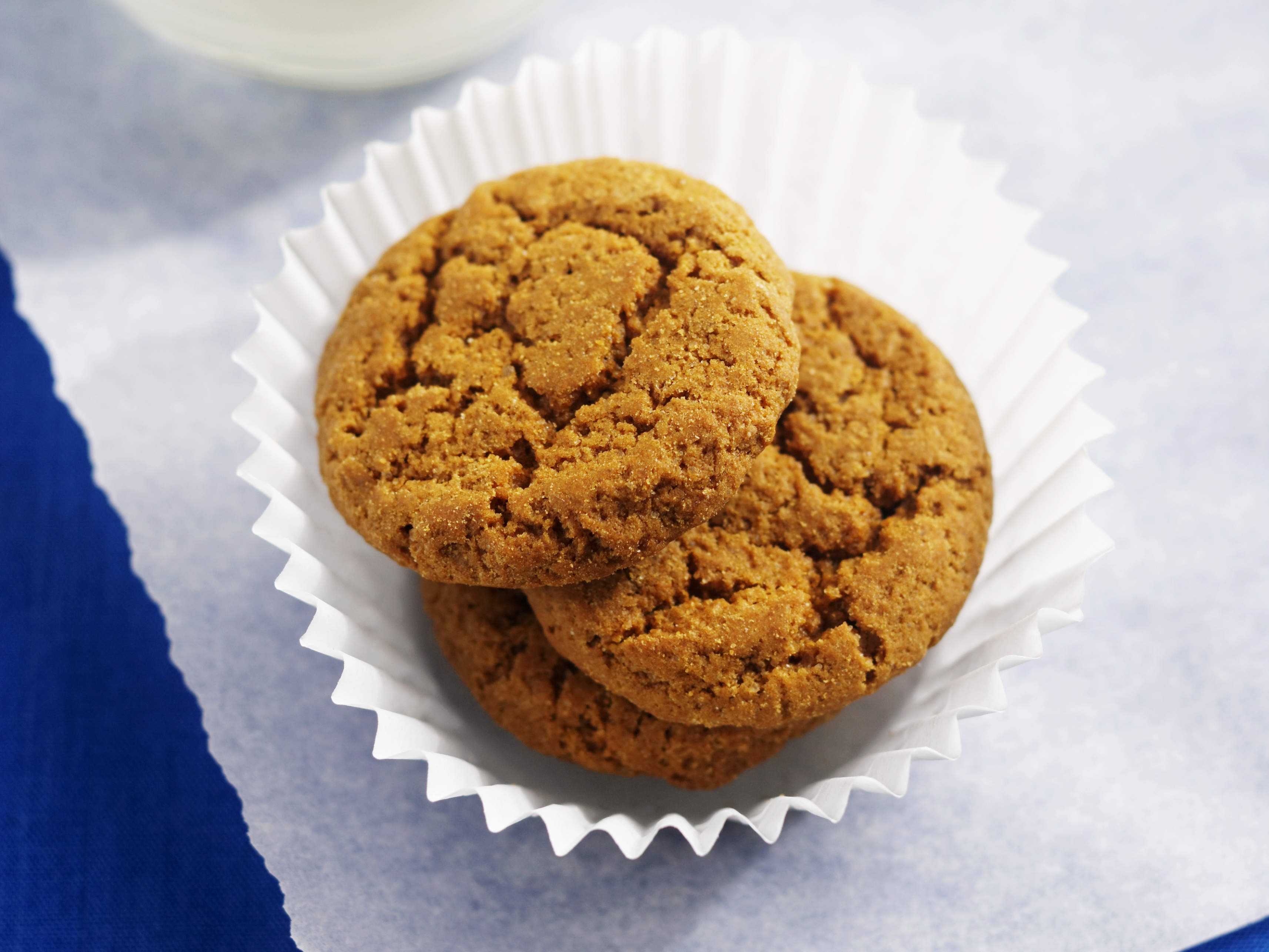 ginger-molasses-cookies-video