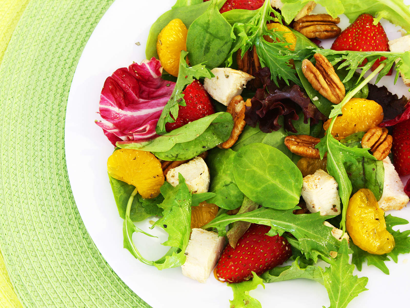 winter-salad-with-grilled-chicken-citrus-and-walnuts-video