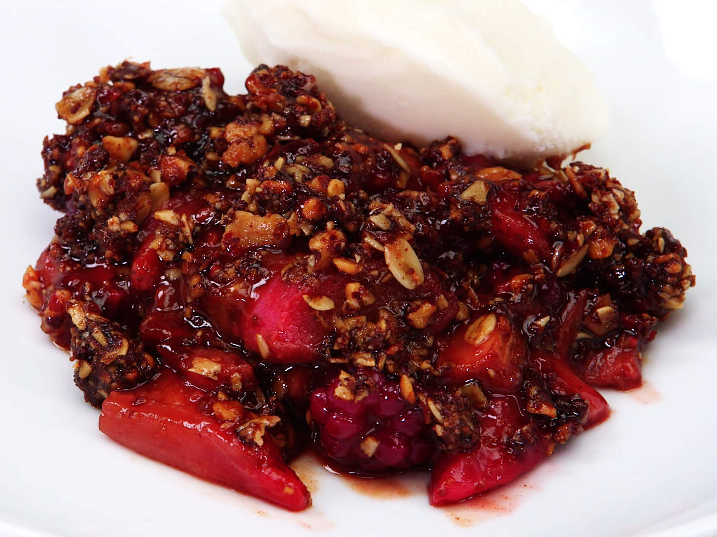 rhubarb-crumble-video