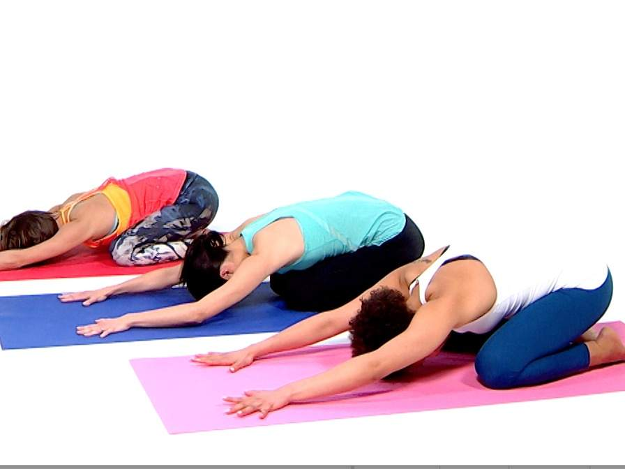 This 15 Minute Yoga Flow Will Help You Get Deeper Sleep