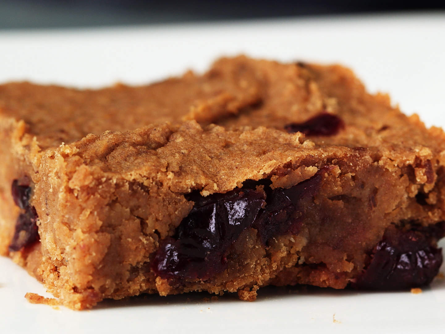 cinnamon-cran-chickpea-blondies-video