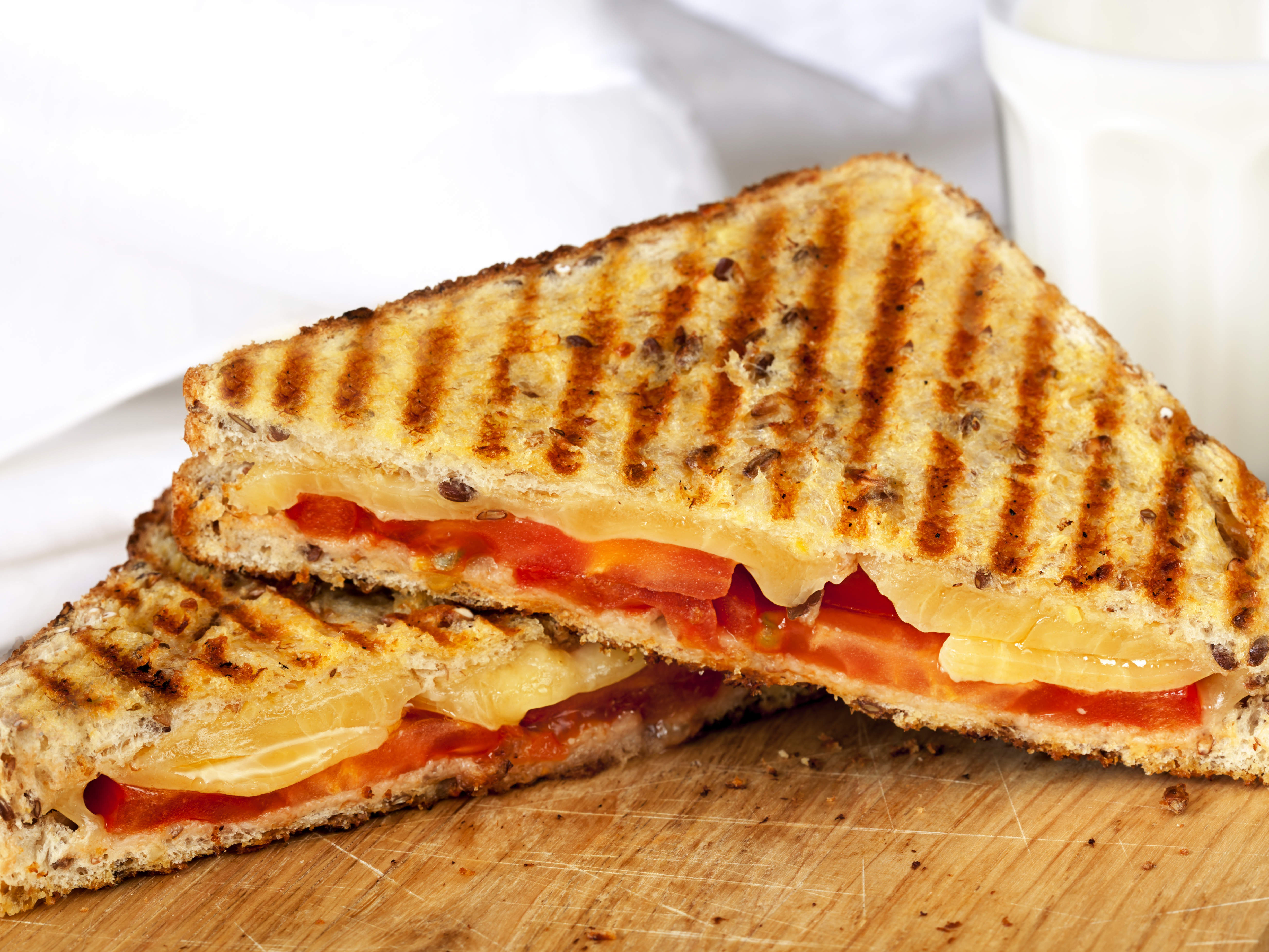 grilled-cheese-tomato-on-rye-video