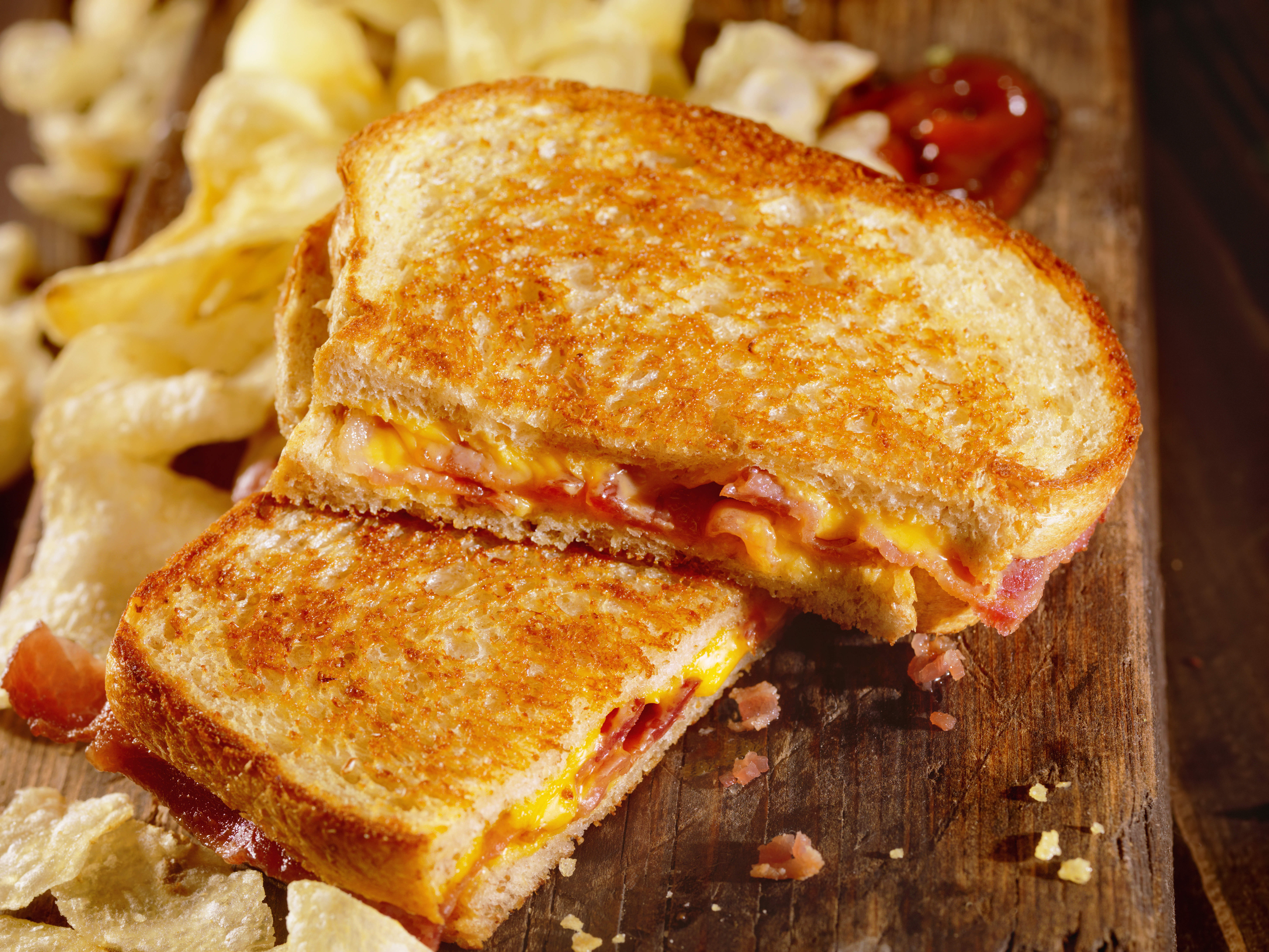 grilled-cheese-with-bacon-video