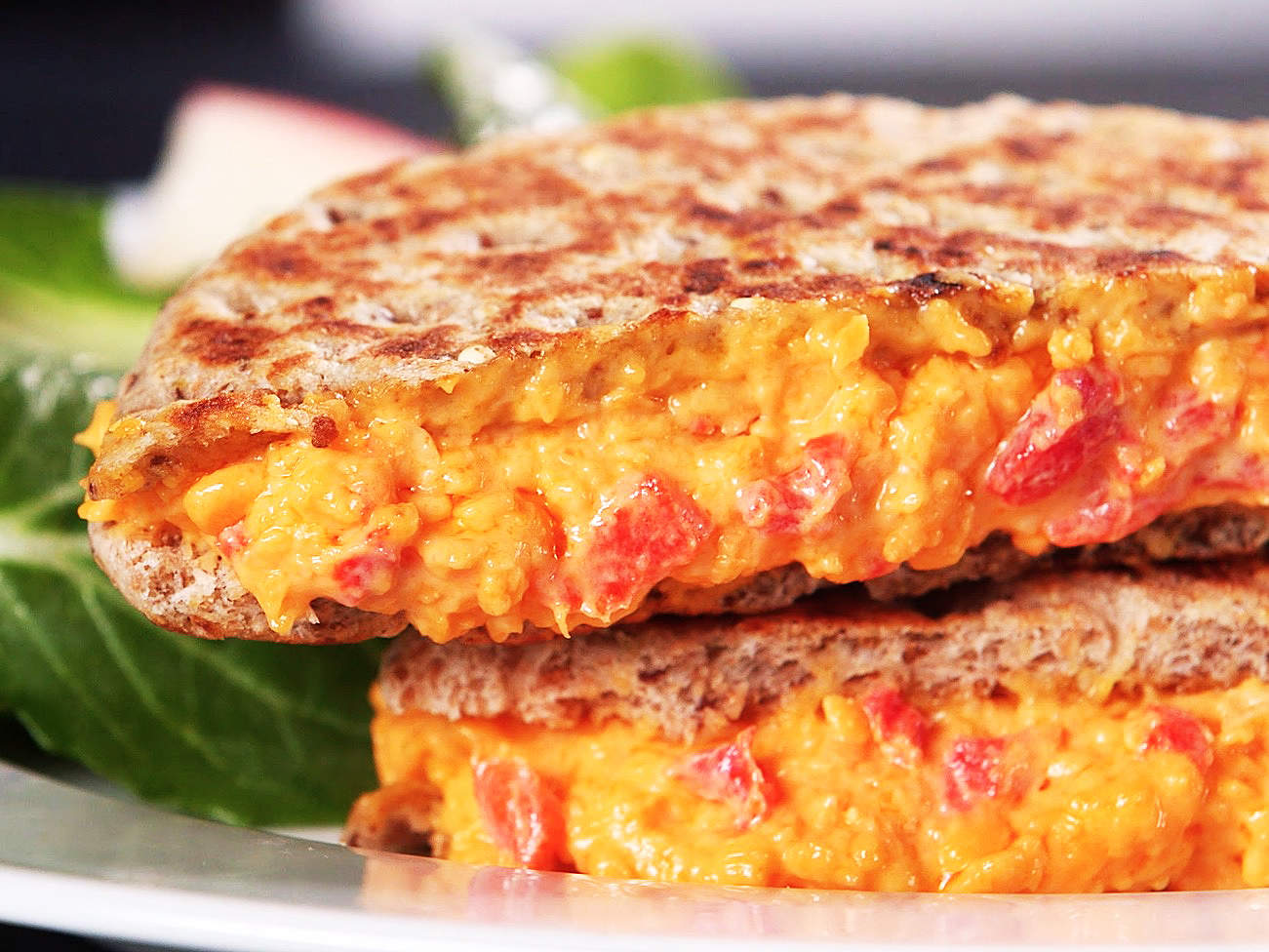 grilled-pimento-cheese-video